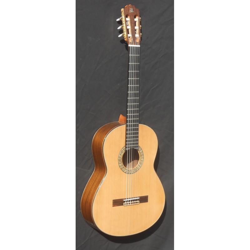 Guitarra admira a 15 for Guitarra admira