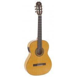 Guitarra admira Triana...
