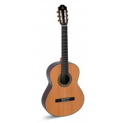 """Guitarra """"admira"""" A 5"""